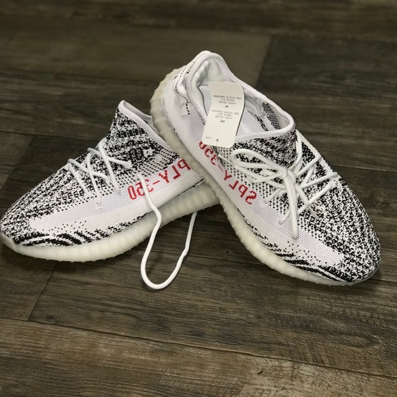 9261ecfd7c1f9 New Yeezy 350 Boosts Zebra Size 10 With Tags